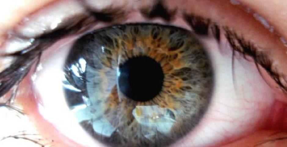 la mirada de vidrio de mi adolescente